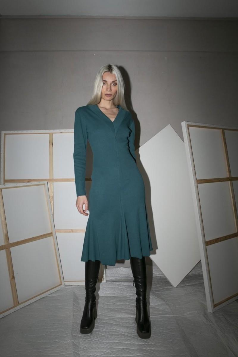 Midi dress, long sleeves, v-neck, a-line bottom